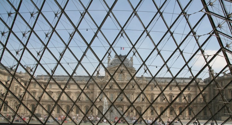 Louvre - de la pyramide